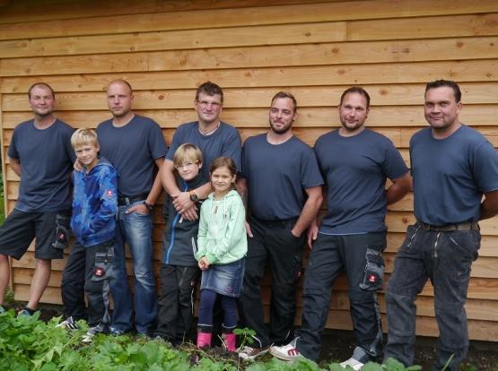 team_dachdeckermeister-aljo-sennewald_mit-Kids-2