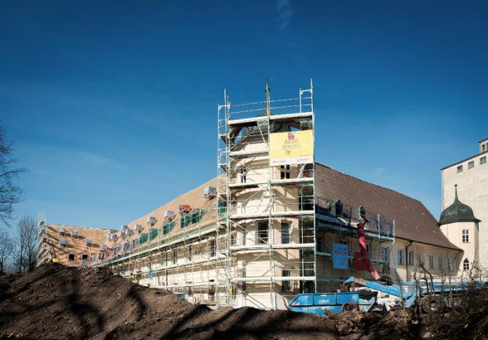 Dacharbeiten durch die AS Dachdecker GmbH an der Dachfläche Schloss Meringen